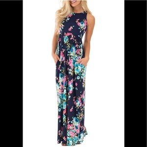 Floral Maxi with Pockets!